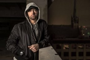 "Eminem lanseaza albumul ""Music To Be Murdered by"""